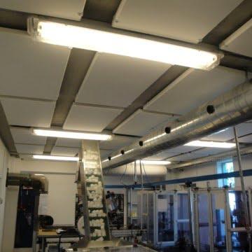 Støjdæmpning og Akustik i Produktionshal og Værksted